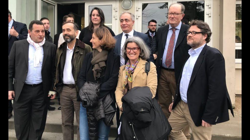 photo des participants de la droite à l'appel d'angers